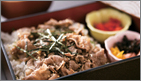 ランチタイムは特選淡路牛丼が人気です